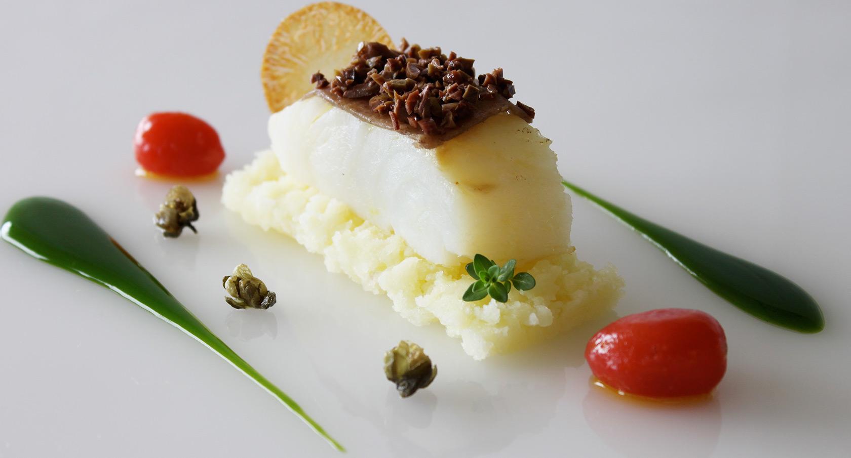 merluzzo-olive-capperi-arnolfo-ristorante_Chef-Gaetano-Trovato