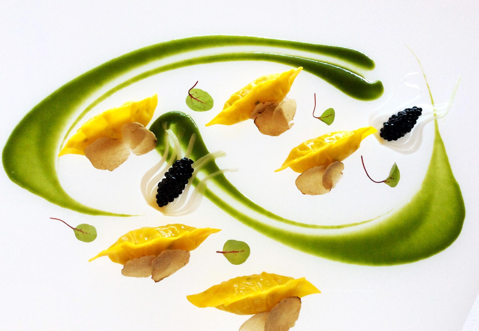 ravioli-tartufobianco-caviale-arnolfo-ristorante_Chef-Gaetano-Trovato